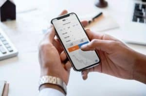 Trading forex on smartphone